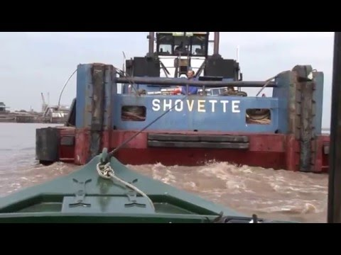 Narrowboat in trouble on the Humber - Dean's Tug Shovette to the rescue