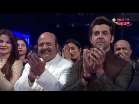 Hrithik Roshan Pays Tribute to Uncle Rajesh Roshan At RSMMA! | Radio Mirchi