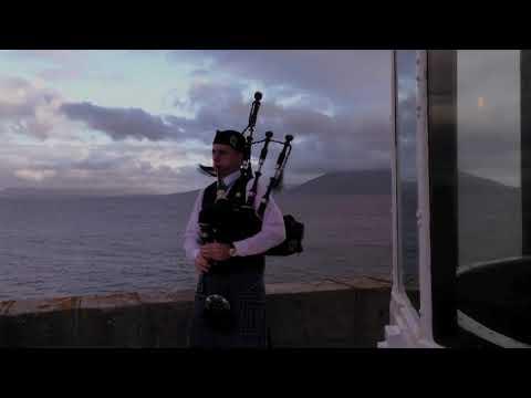 """Michael Lavelle-bagpiper- Achill- """"fainne gael an lae"""""""