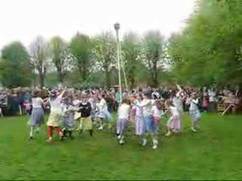 Wheatley, Oxfordshire 2008 - Maypole dancing