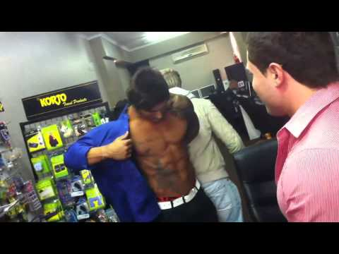 Zyzz tries on an epic fitted shirt [Full HD]
