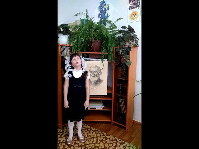 Изображение предпросмотра прочтения – ЕленаАртёмочкина читает произведение «Как грустный взгляд, люблю я осень» И.С.Тургенева