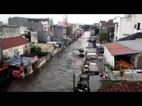 Banjir di pasirkoja bandung menangis
