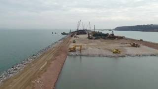 Крымский Мост: Керченская строительная площадка, вокруг водоема