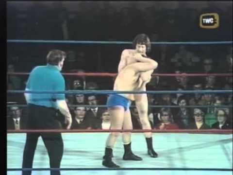 Jim Breaks vs. Johnny Saint - World of Sport