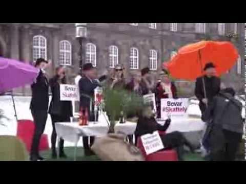 Regeringens skattely salg af Dong til Goldman Sachs, mens de rige fester på Chr.sborg Slotsplads