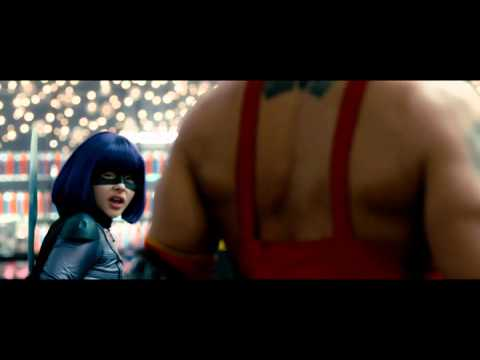 Kick Ass 2: Chloë Grace Moretz as Hit Girl fight  with Mother Russia Olga Kurkulina