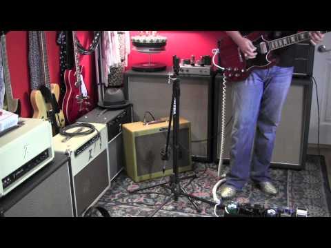 Gearmanndude's grab and go pedalboard & amp and walk around the jam