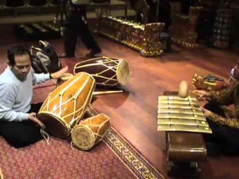 Ciaaattt...Practicing Gamelan Jawa in Brussel, 10 days Indonesia