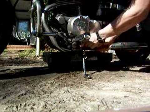 Honda Rebel 250 oil change procedure. Part 1 of 2 - YouTube