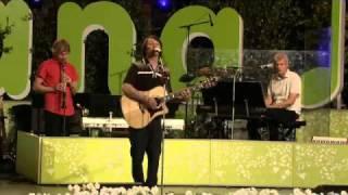 Jakob Hellman - Vara Vänner (Live Allsång På Skansen 2010)