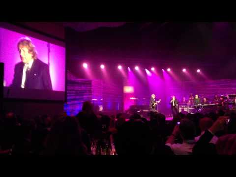 Mick Jones and Lou Gramm Perform 'I Want To Know What Love Is' Thumbnail image