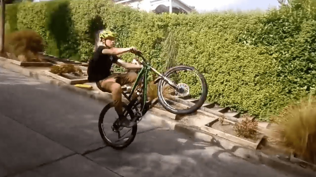 Awesome Archive: Skydiving, Water Slides & BMX Parkour   People Are Awesome