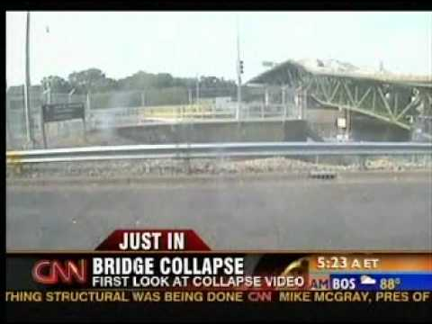 35W Bridge Collapse LIVE VIDEO ACTUAL Minneapolis Minnesota - YouTube