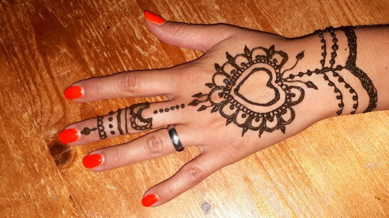 Simple Heart Henna Designs: Simple And Cute Henna Design /Simple Henna Mehndi Design