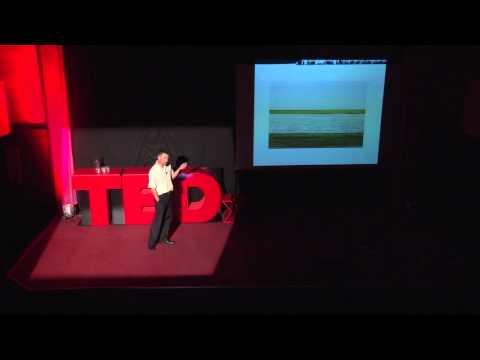"""Fotografia între """"ce?"""" și """"de ce?"""": Voicu Bojan at TEDxEroilor"""