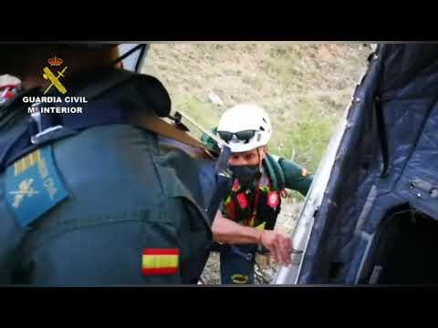 Vídeo | La Guardia Civil rescata a dos senderistas en Crémenes