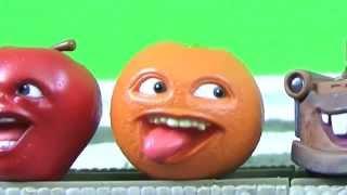 Thomas crashes into the Annoying Orange and Midget Apple!