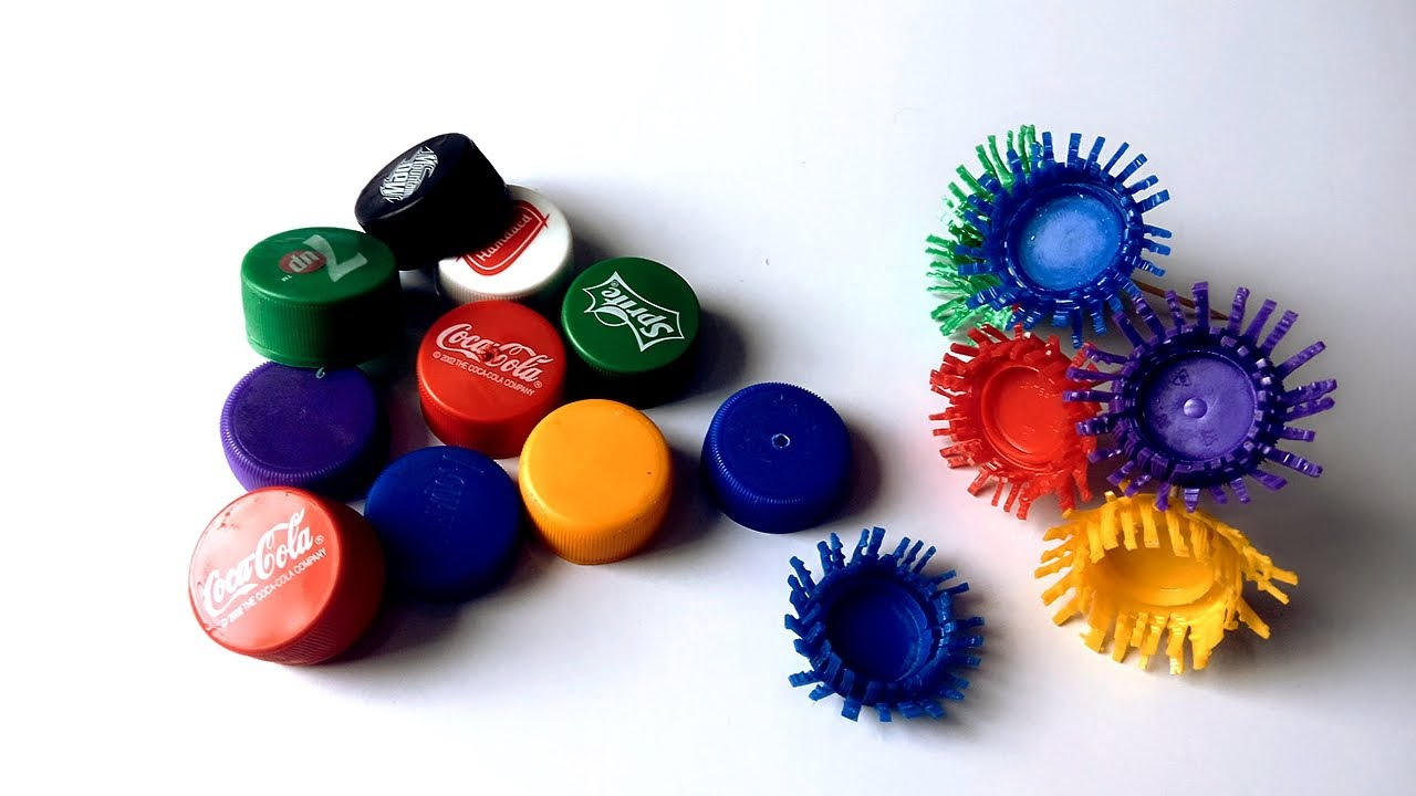 Diy how to make bottle cap flowers bottle cap recycle for How to make bottle cap flowers