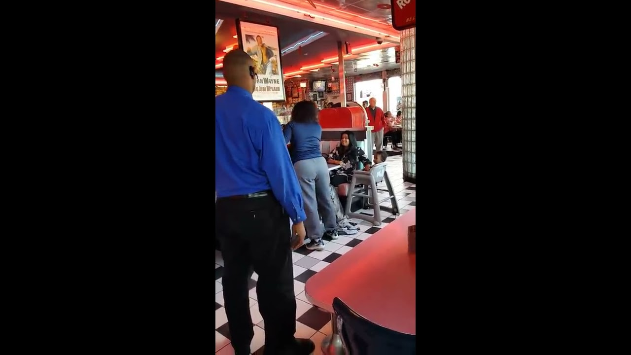 COLD BUSTED!!! Woman catch 's her husband and Portillo's.