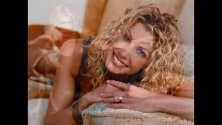 Top 10 Hot Female Country Music Artists