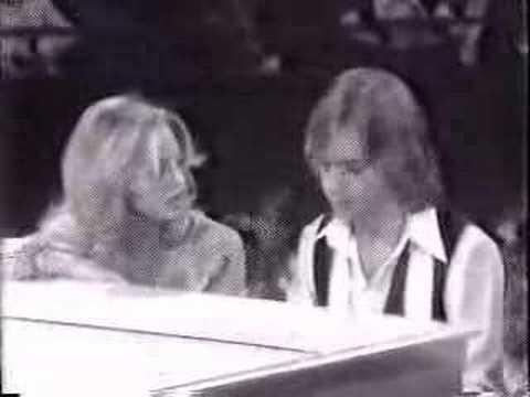 Goldie Hawn & Shaun Cassidy Duet