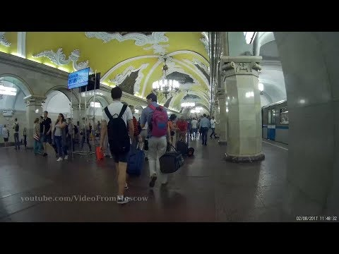 Станция метро Комсомольская (кольцевая), выход к Ленинградскому вокзалу  02.08.2017