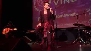"Adam Lambert sings unplugged ""The Light"" at Live in The Vineyard"