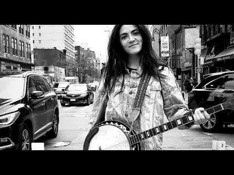 Isabelle Fuhrman  The Banjo Adventures in New York