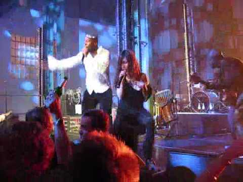 Sun Ho & Wyclef at the SonyBMG EMAs After Party (China Wine)