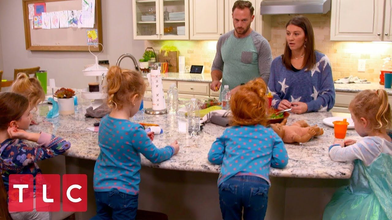 Outdaughtered' Dad Adam Busby Slams Critic on Twitter During the