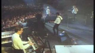 EURYTHMICS - Sweet Dreams (Are Made of This) live 1987
