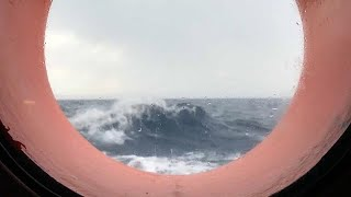 Worsening weather means 'Aquarius' can expect rough journey to Spain