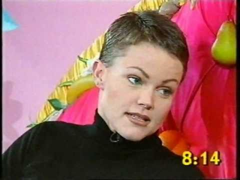 Belinda Carlisle Interview by Paula Yates Big Breakfast 1994 - YouTube