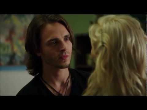 Avery bein' nice to Scarlett - Jonathan Jackson in