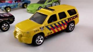TOY CARS JUMPING FROM THE SPRINGBOARD IN WATER SLOW MOTION VIDEO