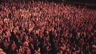 Absolutely Everybody (NYE Live - 31/12/2000)