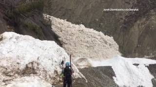 Hikers Witness Avalanche And It