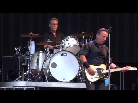 Bruce Springsteen - Lost in the flood - Wembley 15.6.2013 mp3