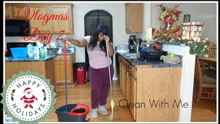 VLOGMAS DAY 7 | Clean With Me