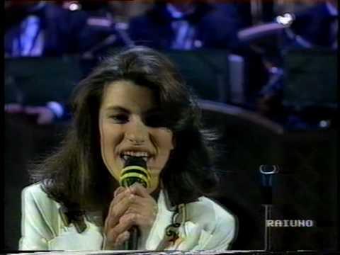 Laura Pausini - La Solitudine (Live @ Sanremo 1993 Prima Serata) thumbnail