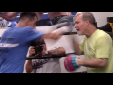 TERENCE CRAWFORD v VIKTOR POSTOL - SPEED! - PAD WORKOUT WITH FREDDIE ROACH & VIKTOR POSTOL
