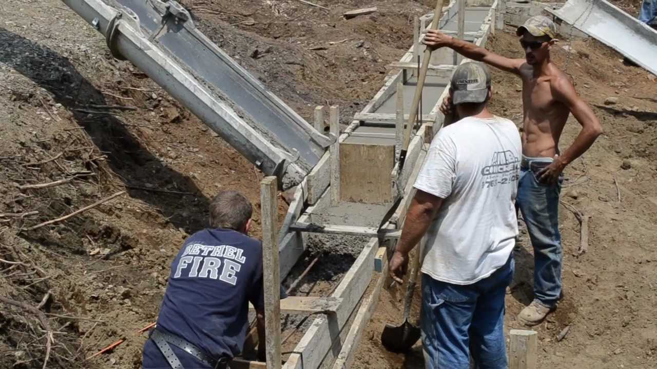 Pour concrete footings foundation 6 my garage build hd for Homes built on your land with no money down