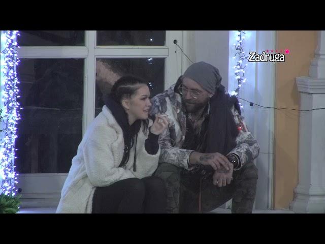 JOŠ JEDAN LJUBAVNI PAR U ZADRUZI 5! Lorna i Zverka se prepustili strastima, uživali u samoći, a onda je pao i SOČAN POLJUBAC!
