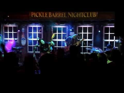 "Twiddle ""Doinkinbonk - Too Many Puppies - Doinkinbonk""  1/23/14 Killington, VT Pickle Barrel Night"