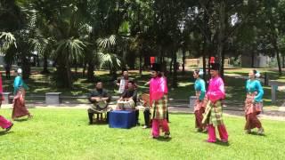 Penari dan pemuzik Ghazal Anjung Tradisi Sesi rakaman penutup Pekin Express Program Realiti TV SPAIN