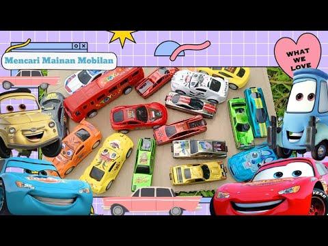 Menemukan Mainan Mobil