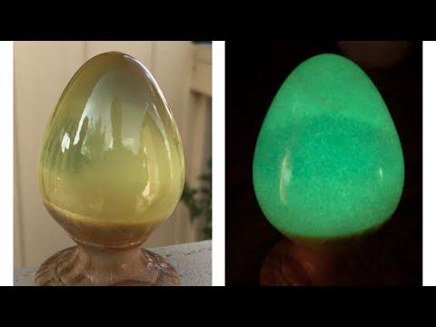 Glowing resin egg