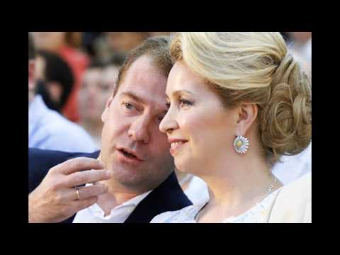 Какие скандалы связаны с женой Медведева?