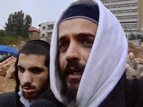 Mizrahi Jews steal Palestinian homes